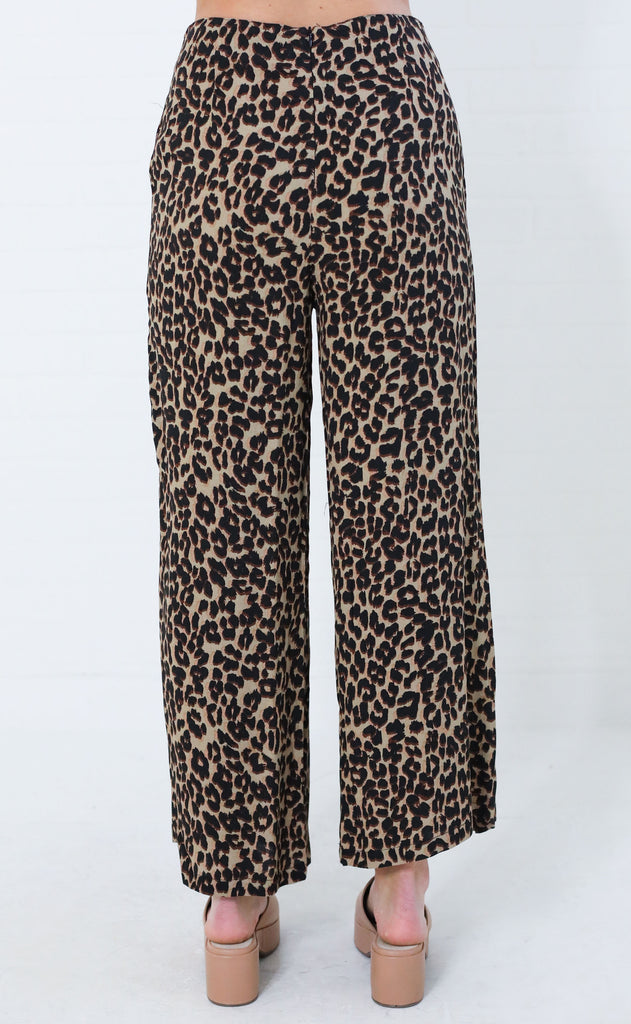 feline myself crop pants