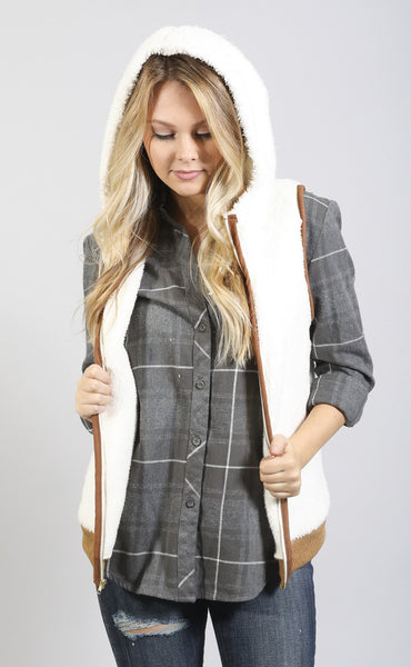 fuzz off hooded vest - white