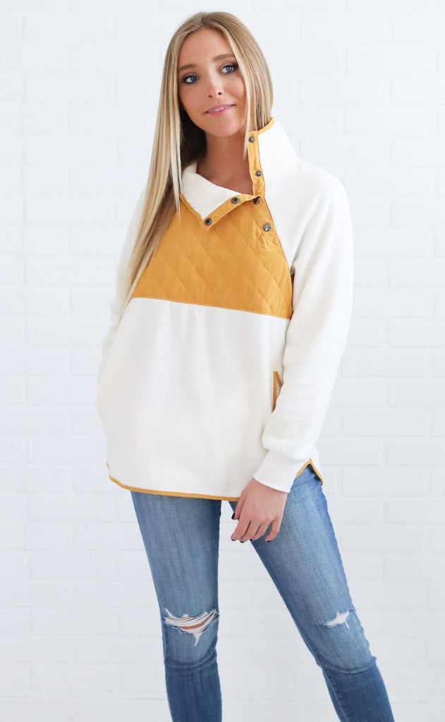 good feeling fleece pullover - mustard