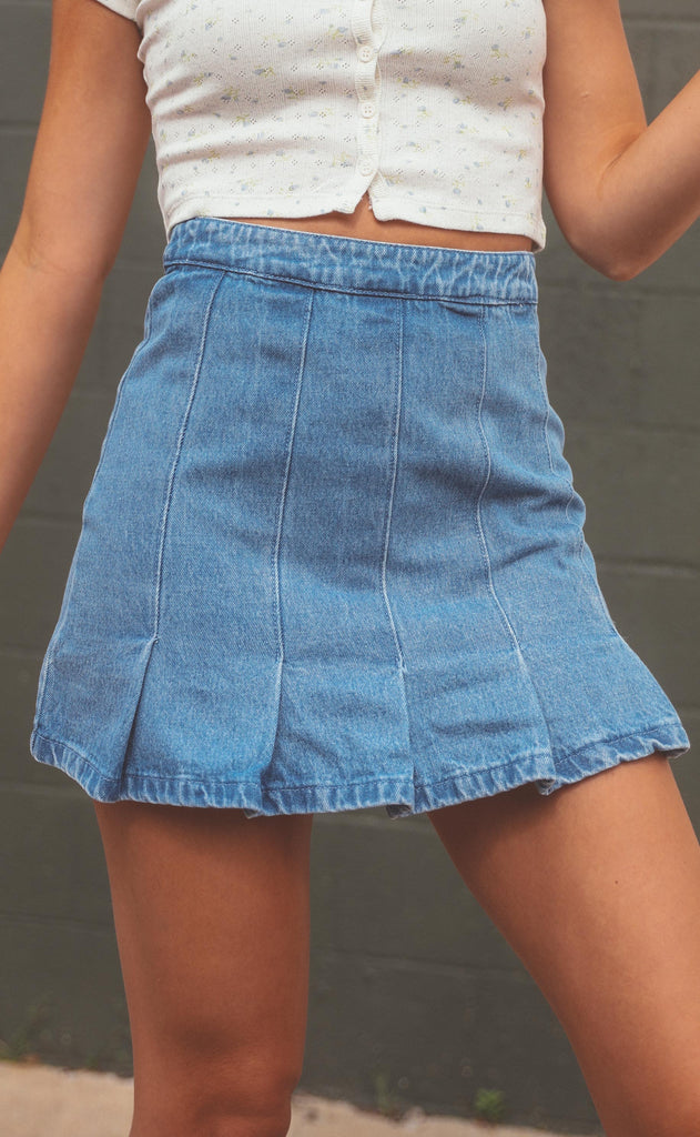 denim dream pleated skirt