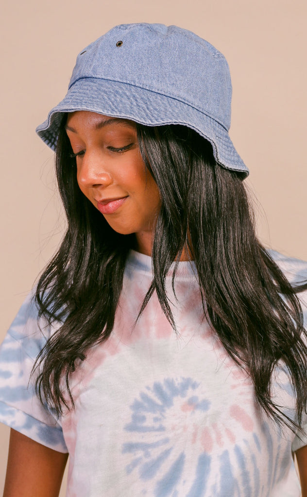 denim bucket hat - light wash