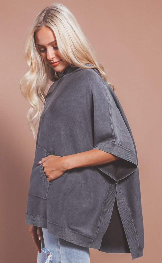 barefoot dreams: sunbleached poncho - faded black