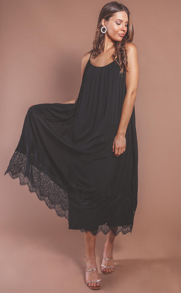 love in lace maxi dress - black