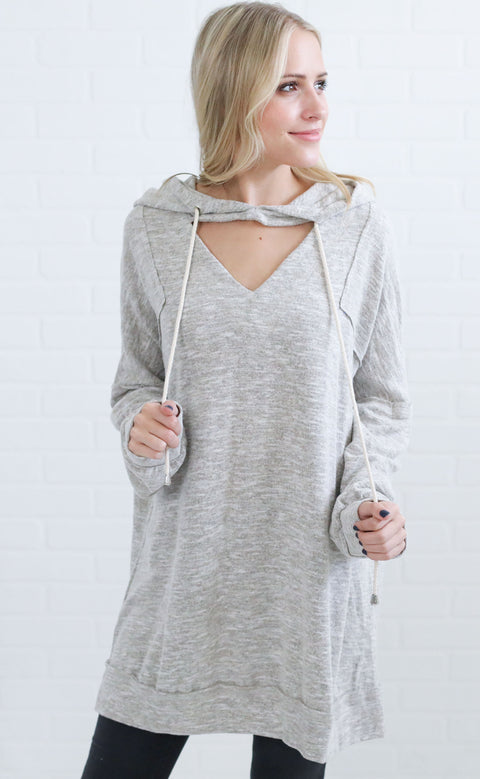 lounging lady oversized pullover