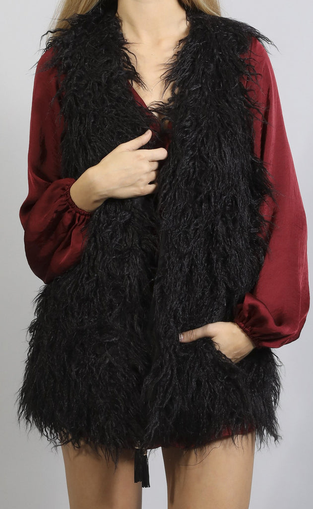show me your mumu: luis vest with tassels - onyx faux fur