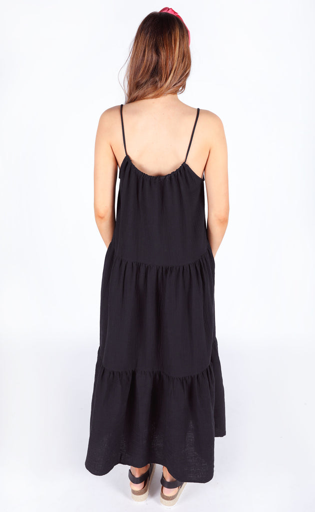 show me your mumu: may maxi dress - black crinkle gauze