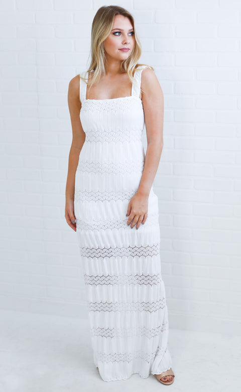 show me your mumu: harlowe maxi dress - mademoiselle lace white