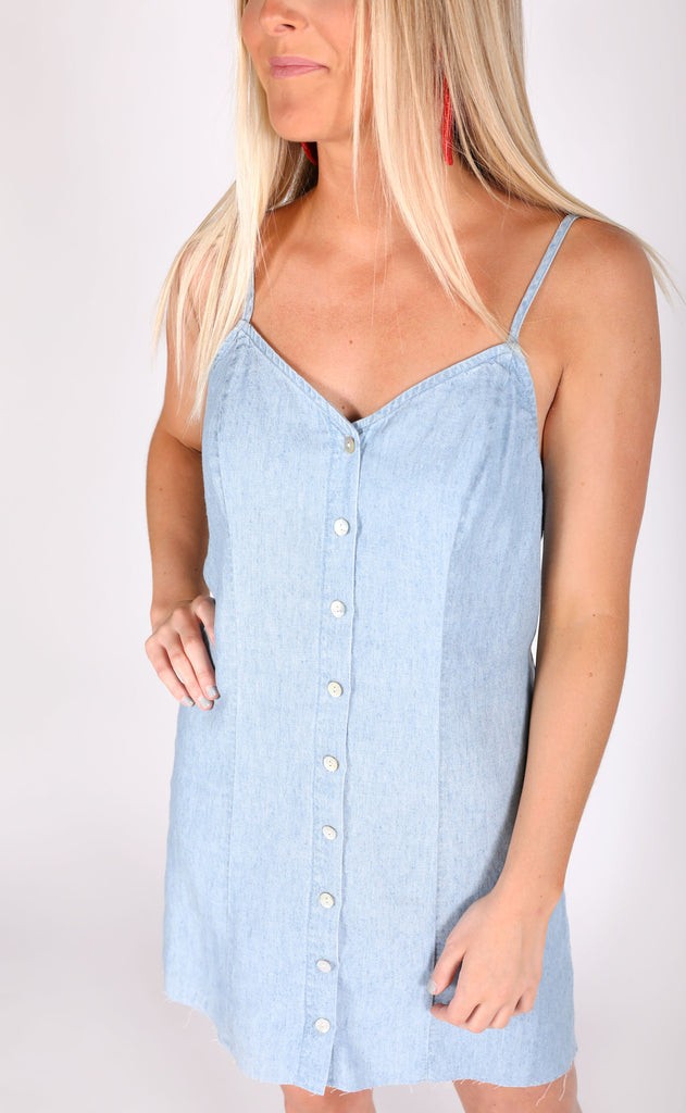 show me your mumu: remington dress - light chambray