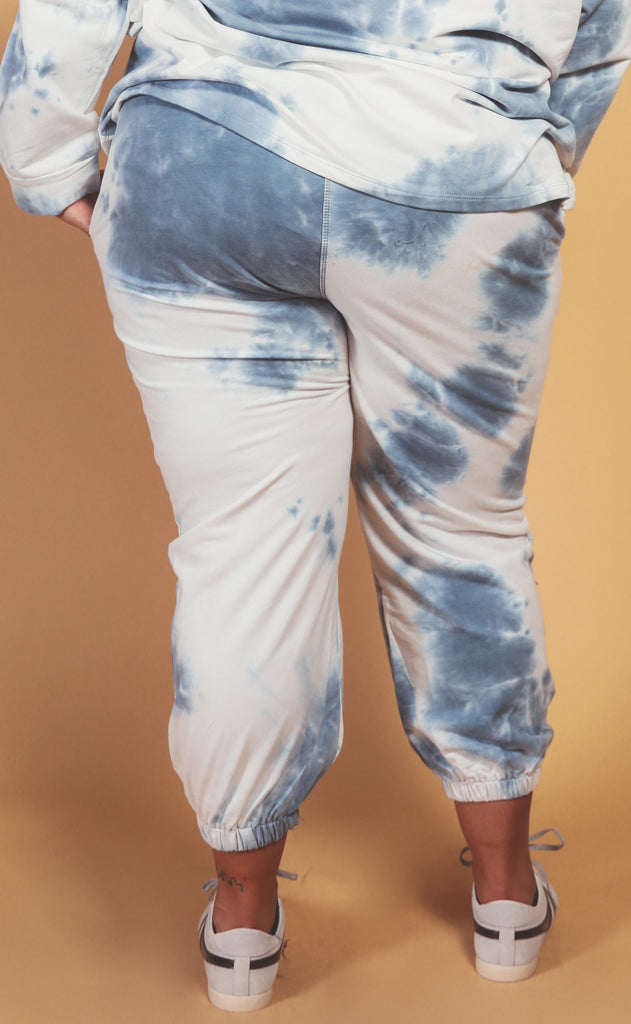 head in the clouds tie dye sweat pant blue - extended
