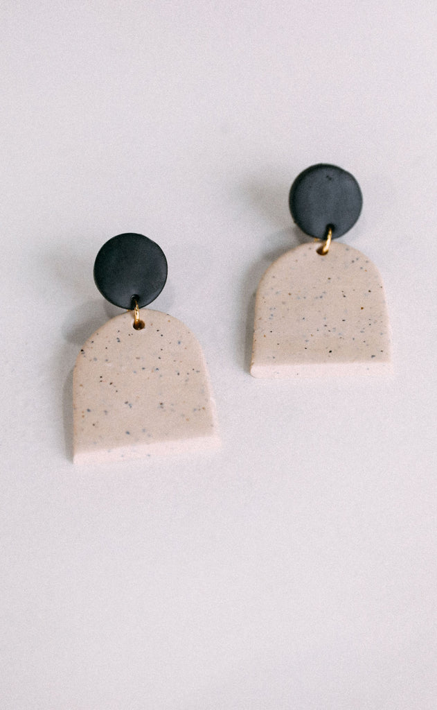 poppy dot: the chelsea earring - speckled cream/black