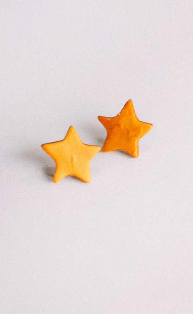 poppy dot: the star stud earring - gold