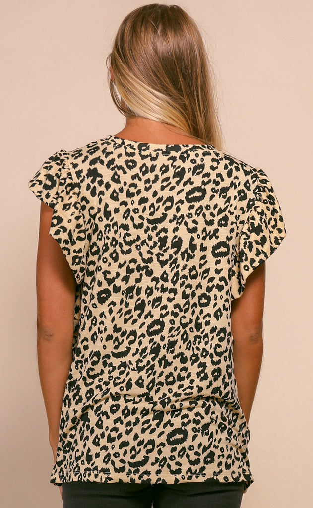 ruffled around leopard pocket tee