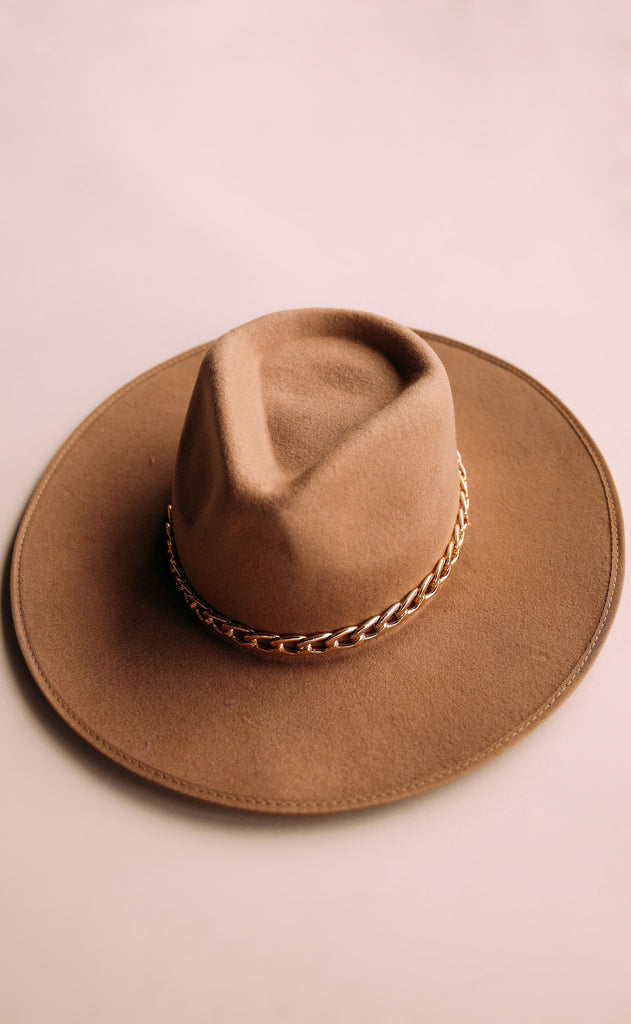eastnwestlabel: single shot chain hat - camel