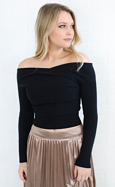 snuggle up cropped sweater - black