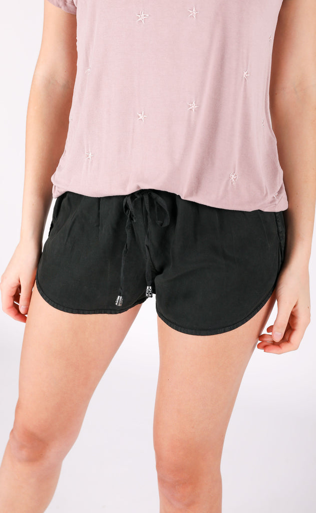 staycation basic shorts - black