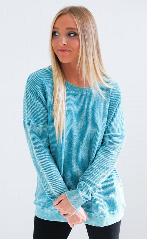 staycation ribbed pullover - emerald