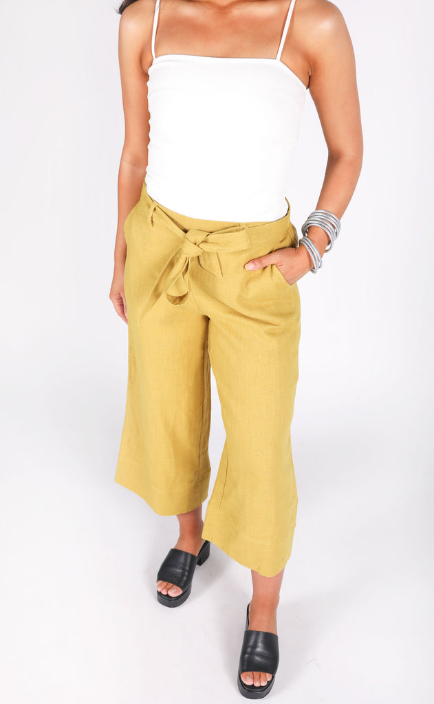 staying seaside linen pants