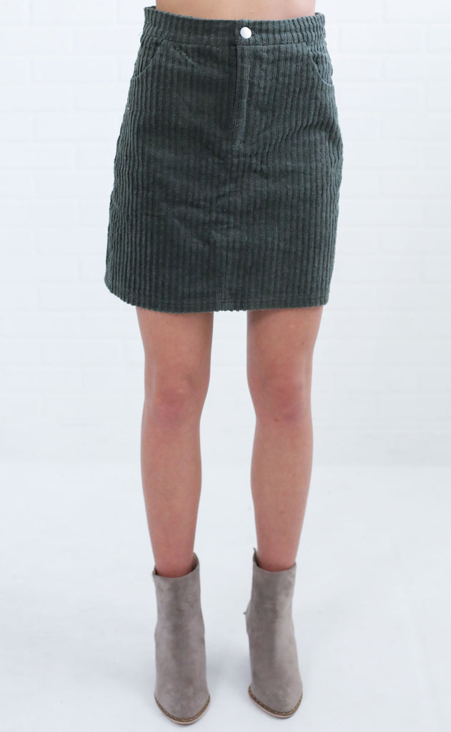 strike a cord button up skirt - olive