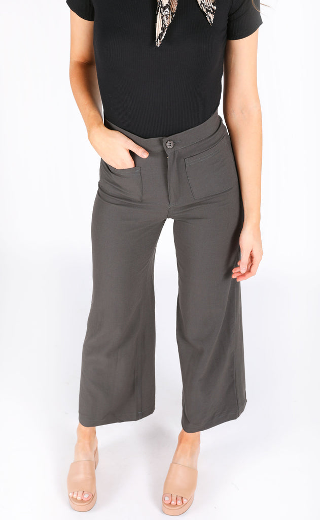 sunshine in my pocket cropped pants - olive