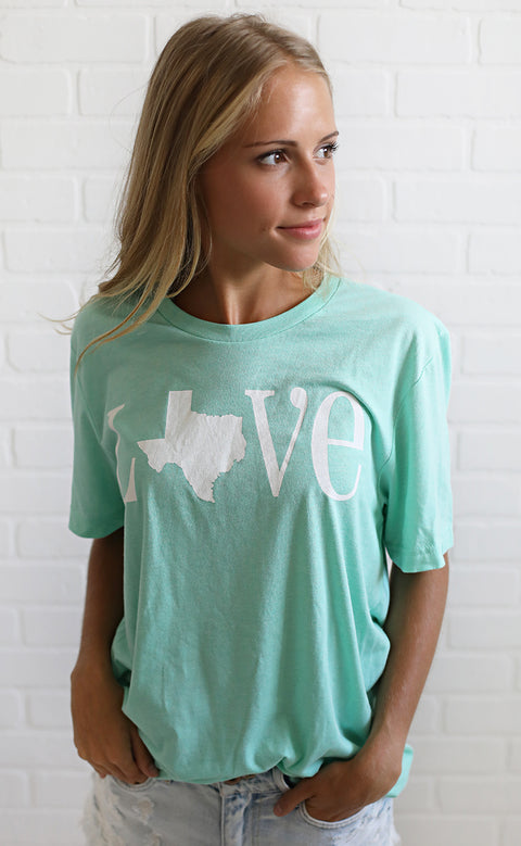 charlie southern: classic state love t shirt - texas [mint]