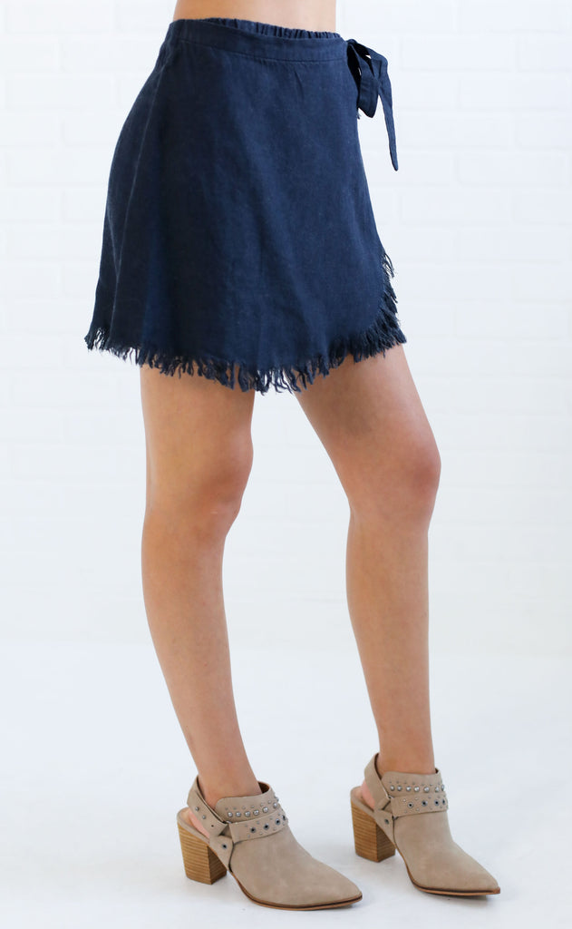 show me your mumu: the great wrap shorts - midnight chambray