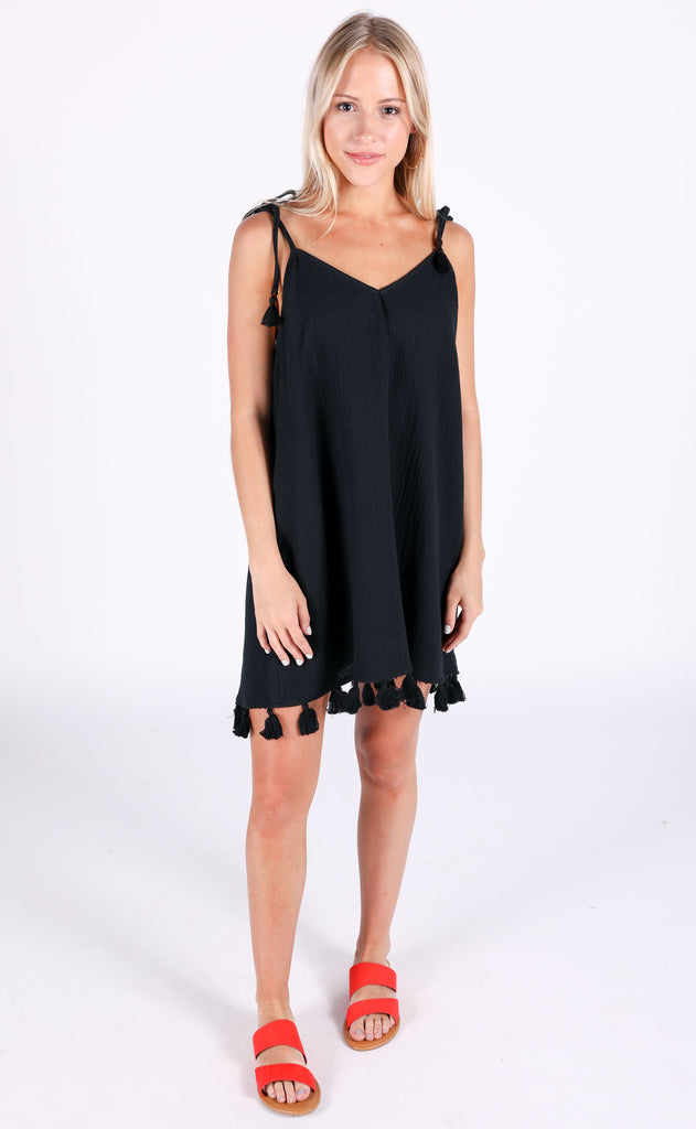show me your mumu: throw and go tassel dress - black crinkle gauze