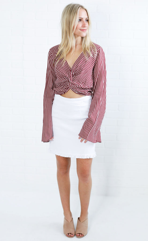 twist and turn striped top