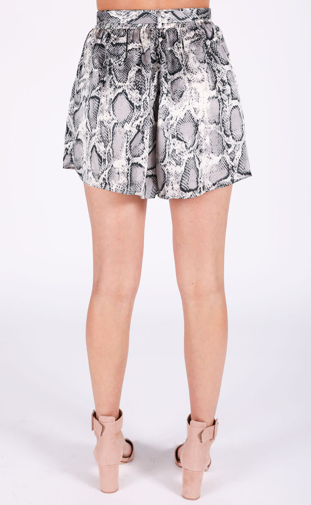 water moccasin printed shorts - grey