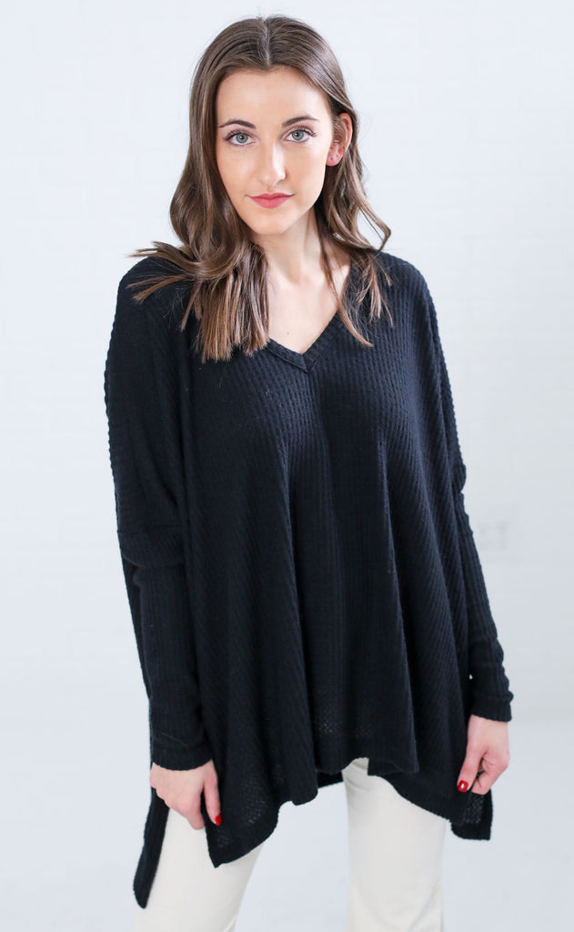 weekend ready v-neck top - black