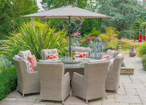 Toulon 8 Seater Oval Includes Parasol & Base