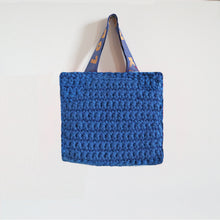 Load image into Gallery viewer, Small Crochet Bag