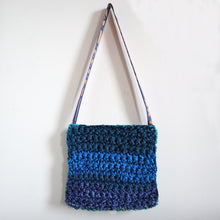 Load image into Gallery viewer, Medium Hamsa Crochet Bag