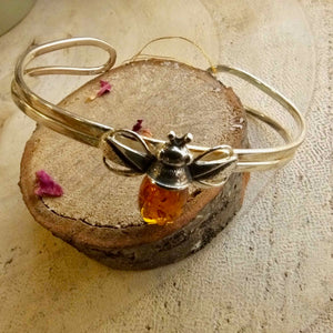 Bumble Bee Bangle in Silver and Amber - Henryka
