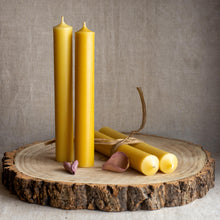 Load image into Gallery viewer, Natural beeswax dinner candles