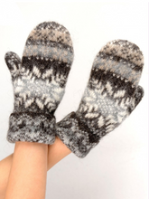 Load image into Gallery viewer, Frejya, Icelandic Mitts