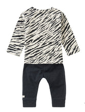 Load image into Gallery viewer, Noppies Two piece Tiger Stripe Baby Set
