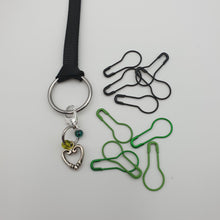 Load image into Gallery viewer, SET OF MARKERS ON A RING -  HEART WITH GREEN AND BLACK MARKERS