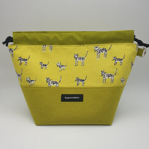 YELLOW-GREEN CATS - LARGE Project Bag