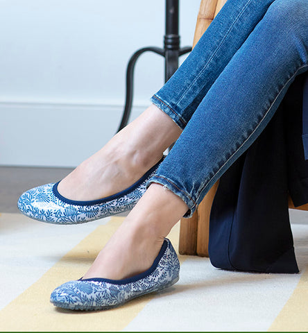 ja-vie blue china floral jelly flats shoes
