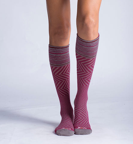 ja-vie 76% Merino Wool Graduated Compression Socks, Zig-Zag, Fuchsia (15-20mmHg)
