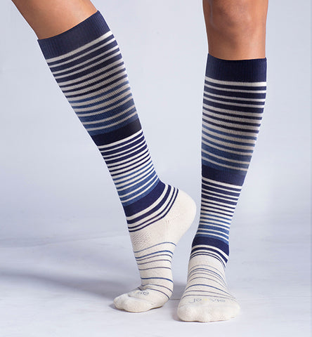 ja-vie Cotton Medium Moderate Graduated Compression Socks, Navy White Stripes (15-20mmHG)