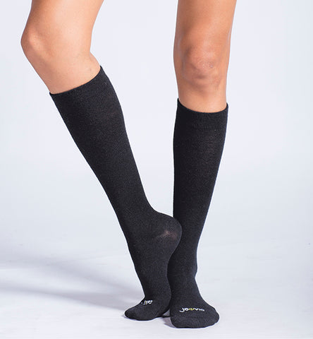 ja-vie 80% Merino Wool Ultra Soft 15-20mmHg Graduated Compression Socks, Black