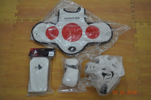 Full set of pads - To be purchased at Orange belt.
