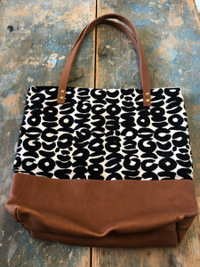 Frankie & Coco large tote with inside pockets