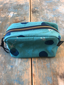 Frankie & Coco Dopp-shaped project pouch