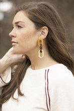 Load image into Gallery viewer, Tortoise Link Dangle Earrings