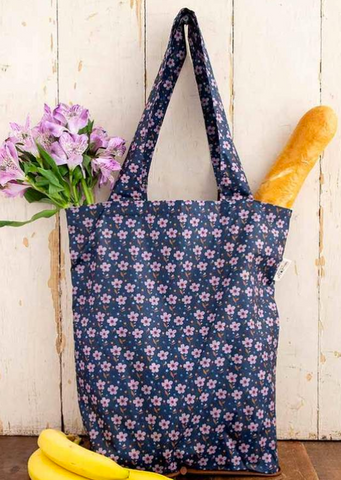 natural life on the go tote in navy