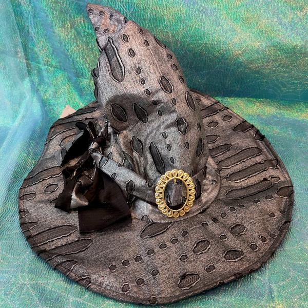Bow & Buckle Wizard/Witch Hat