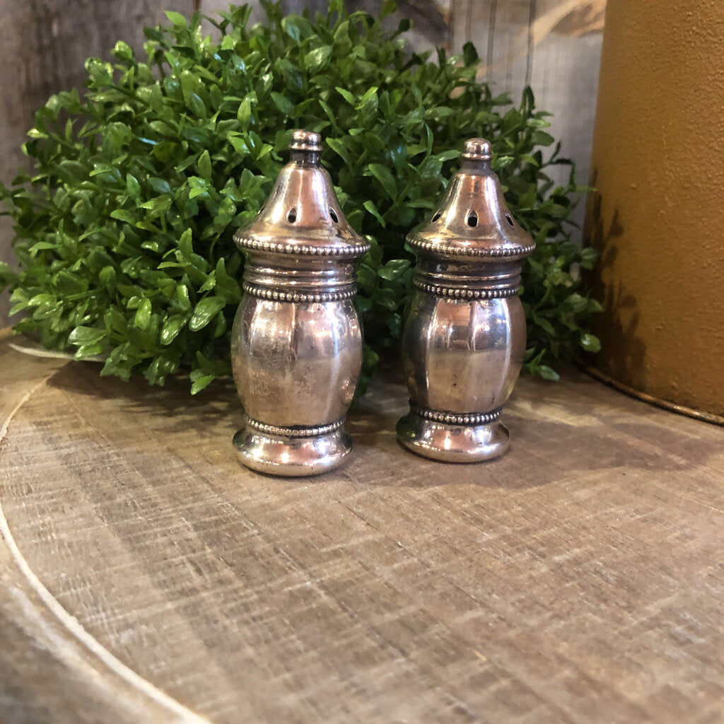 V.L Sterling Salt And Pepper Shaker Set