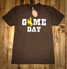 Load image into Gallery viewer, UW Game Day T Shirt.  Crew Neck. Short Sleeve.  Brown Heather.